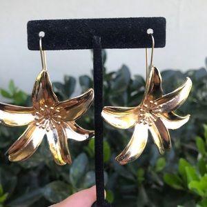 Zara | hoop flower earrings